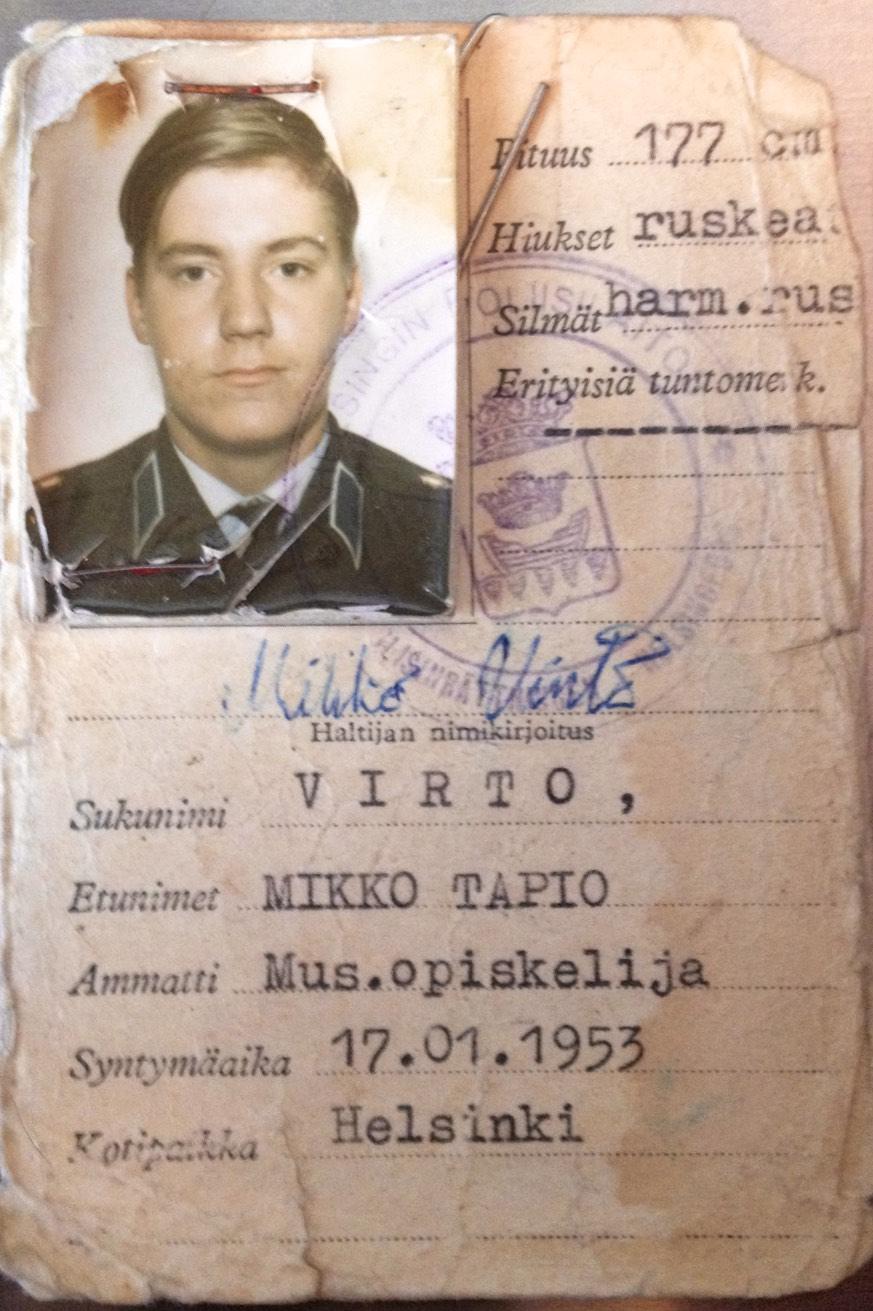 Virallinen henkilötodistus, Dragsvikissä teimme myös epävirallisia varusmieskortteja, joihin laitettiin muutama vuosi ikää lisää Alkoa varten.